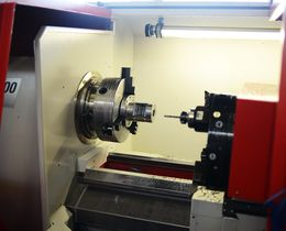 The CNC operate lathe EMCO E-300 provides the functionality of driven tools in combination with a C-axis